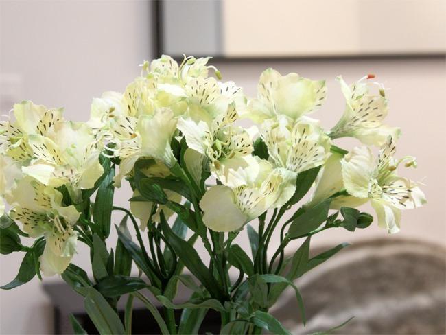 Fleurs artificielles chambre