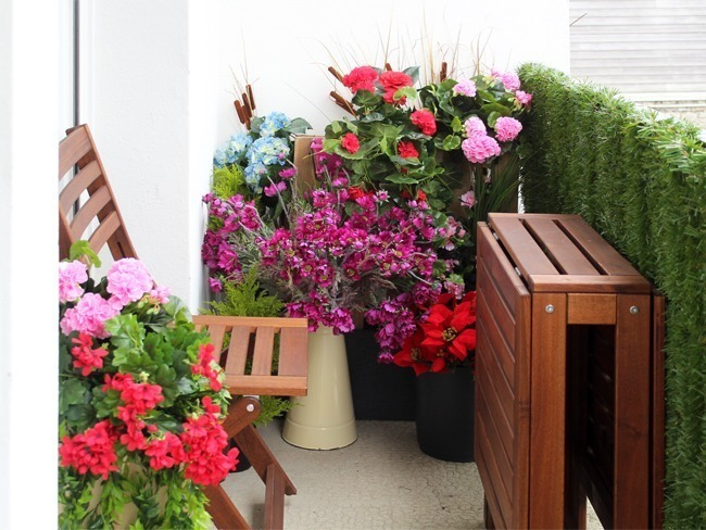 Plantes fleuries artificielles balcon